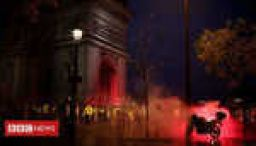Riot police clash with Paris protesters