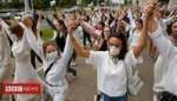 Women form 'solidarity chains' in Belarus protests